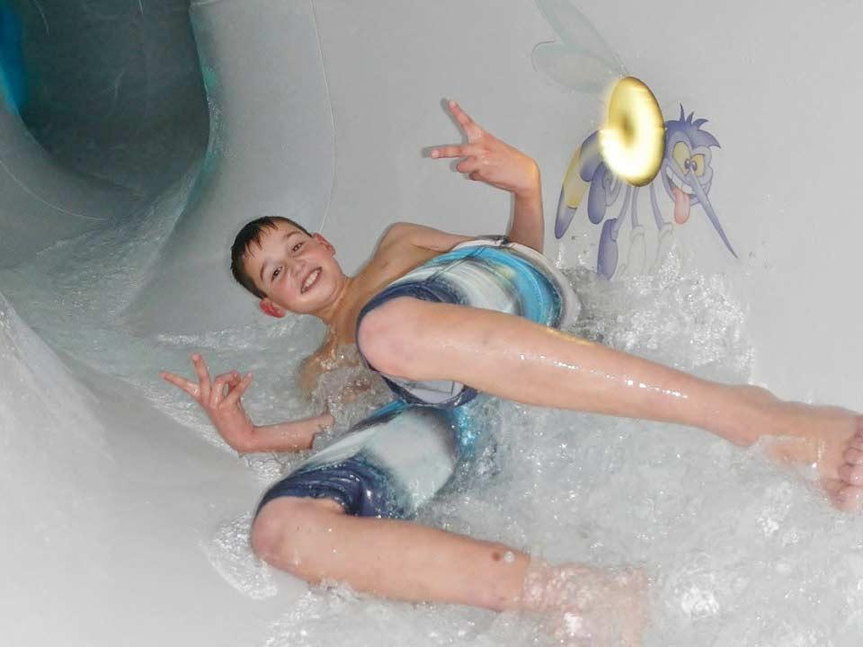 Bad-Hesselingen_zwembad_zwemles_recreatief_whirlpool_Mosquito-Slide_CT-01