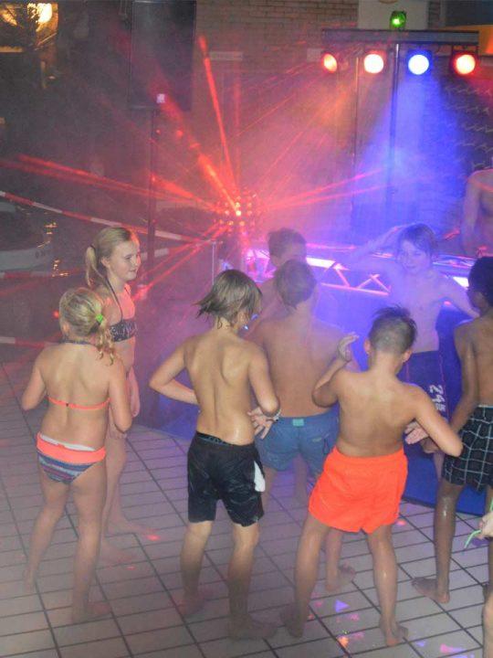 Discozwemmen Weer Succes Bad Hesselingen
