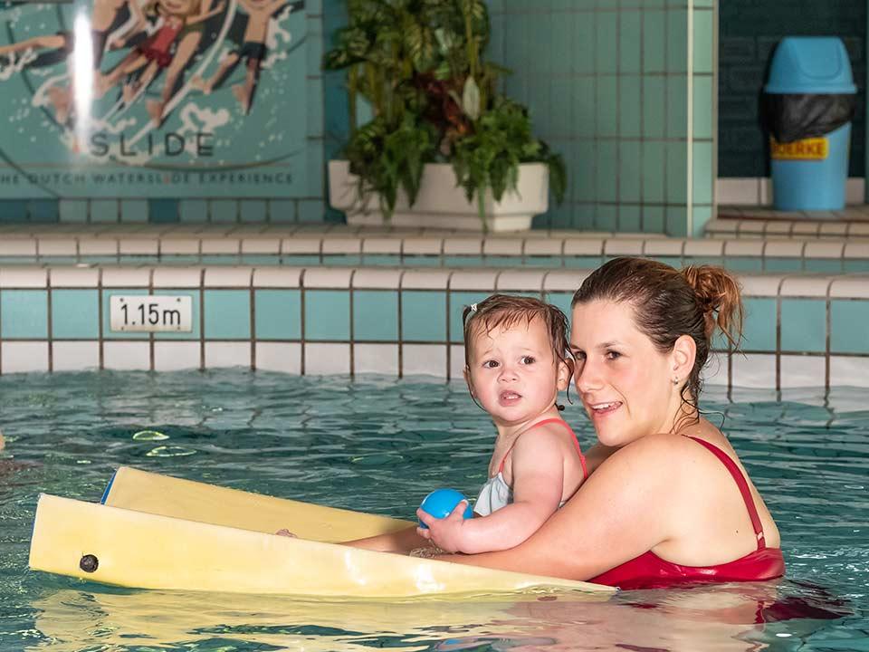 baby-peuter-zwemmen_CT-01_Bad-Hesselingen-Meppel