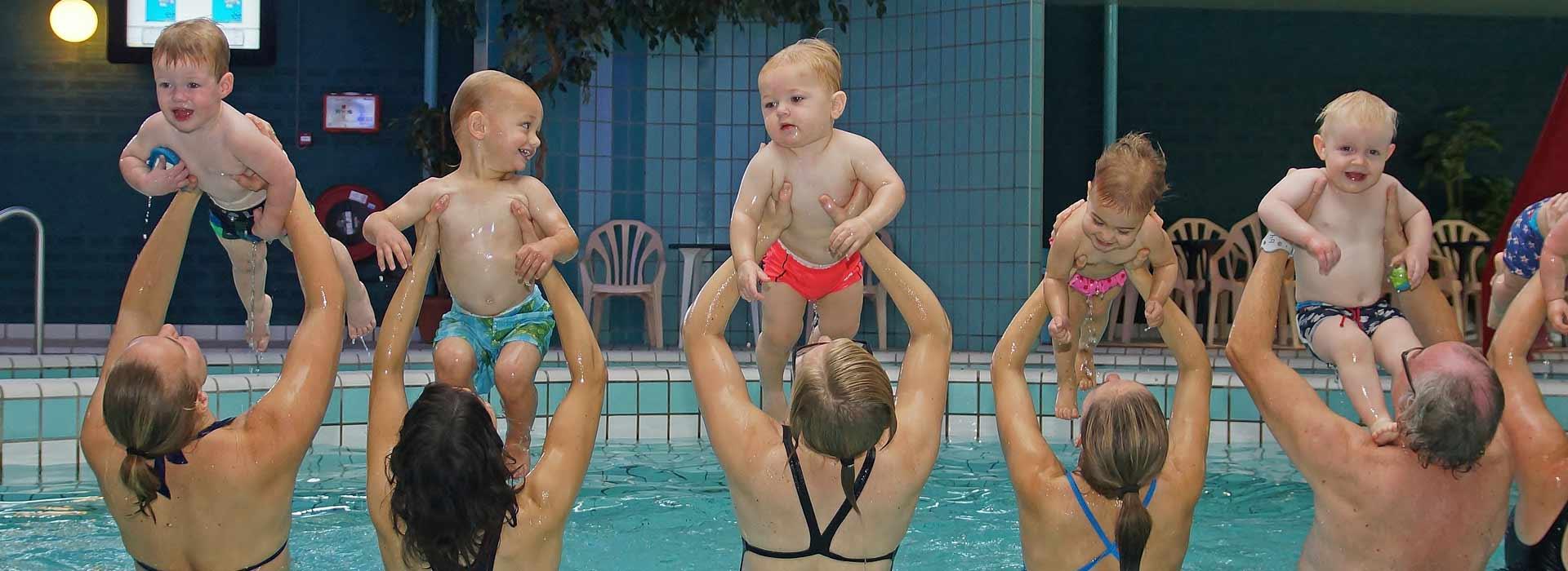 baby-peuter-zwemmen_HD_Bad-Hesselingen-Meppel
