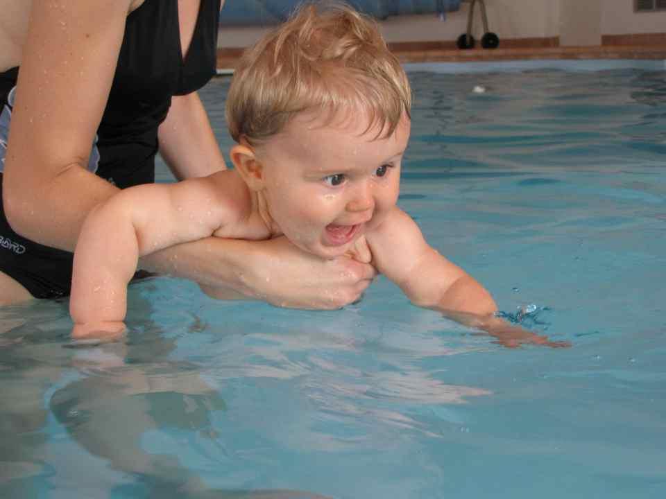 babyzwemmen-pixaby-blije baby_Bad-Hesselingen-Meppel_