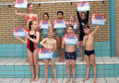 Diploma-C-maart 2019-diplomazwemmen-afzwemmen_Bad-Hesselingen-Meppel_CT