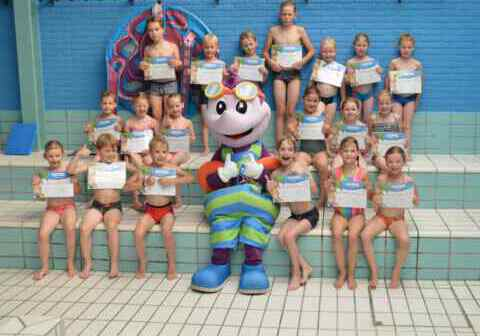 Diplomafeest 07-07-2021 groep 2_Bad-Hesselingen-Meppel_ (3)